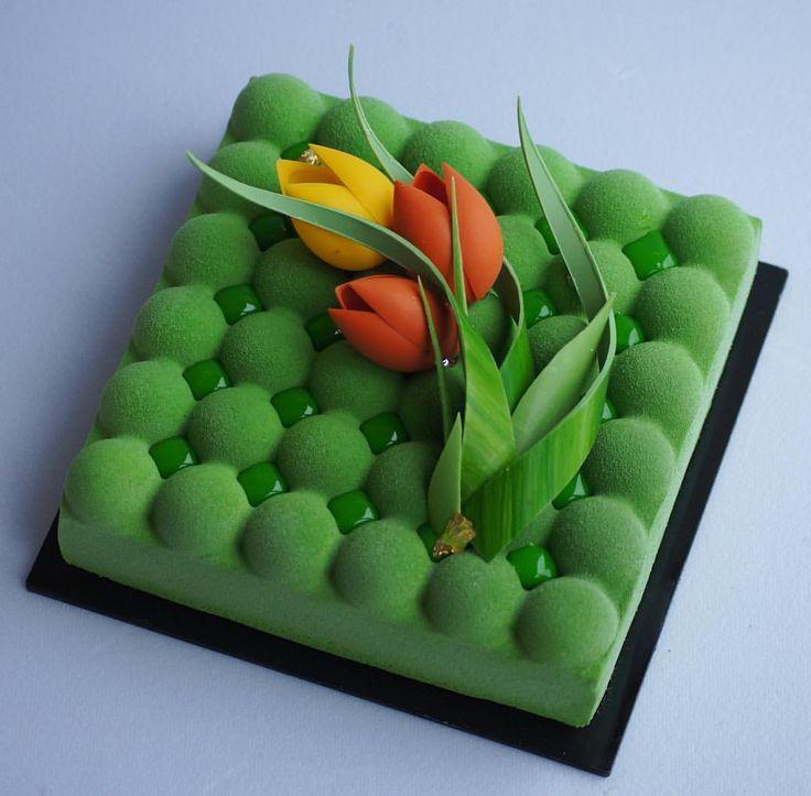 1,819 mentions J'aime, 11 commentaires – Анна (@florann_cake) sur Instagram : «Пусть сегодня будут одни цветы,для вас, милые девочки!!!! Красота спасёт мир! #торт #торты…»