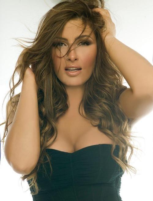 Helena Paparizou ( Greek Singer ) she's so pretty!