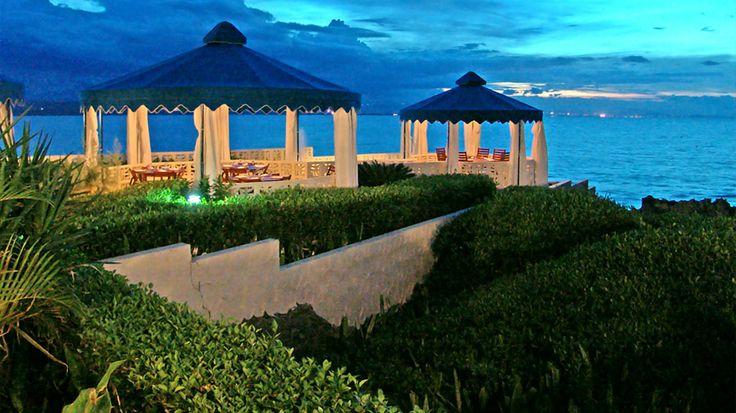 Sosua by the Sea sijaitsee rannan tuntumassa, ihastuttavan rauhallisella paikalla. Sosuan keskustaan on vain kävelymatka. Hotelli soveltuu edullista majoitusta etsiville. Suojaisalla pihalla on uima-allas ja poreallas. Meren rannalla on viihtyisä ja tunnelmallinen terassiravintola. Hotellissa on mahdollisuus myös all inclusive -hoitoon.