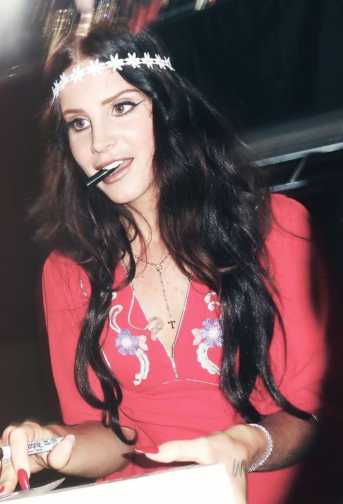 lana del rey | Lana Del Rey New Album 2013 Leaked; 'Young and Beautiful' Singer ...