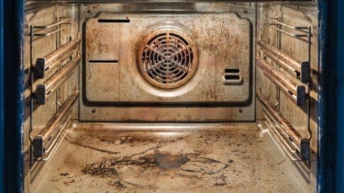 Ultra lang eingebrannte Flecken im Ofen | Frag Mutti