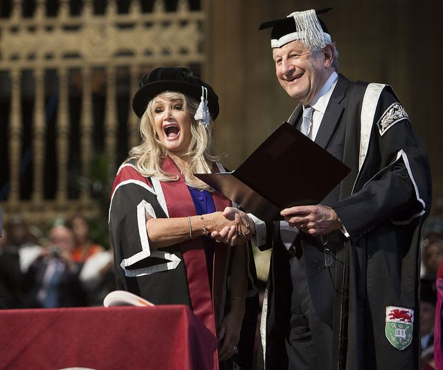 Bonnie Tyler Receives her Honorary award on stage by Swansea University #bonnietyler #thequeenbonnietyler #therockingqueen #rockingqueen #2013 #wales #swansea #swanseauniversity #honorarydegree #music #rock