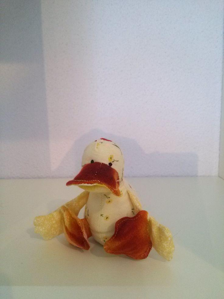 Dilby Duck 70% verkleind! Het Nederlandse patroon kun je vinden op: http://www.naaipatronen-voor-knuffels.com/