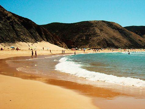 Financial Times distingue praia do Castelejo, em Vila do Bispo