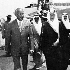 President Bhutto with King Faisal in Saudi Arabia (Doc Kazi) Tags: pakistan heritage history prime president ali politician leader z 1972 minister zulfiqar bhutto zulfikar