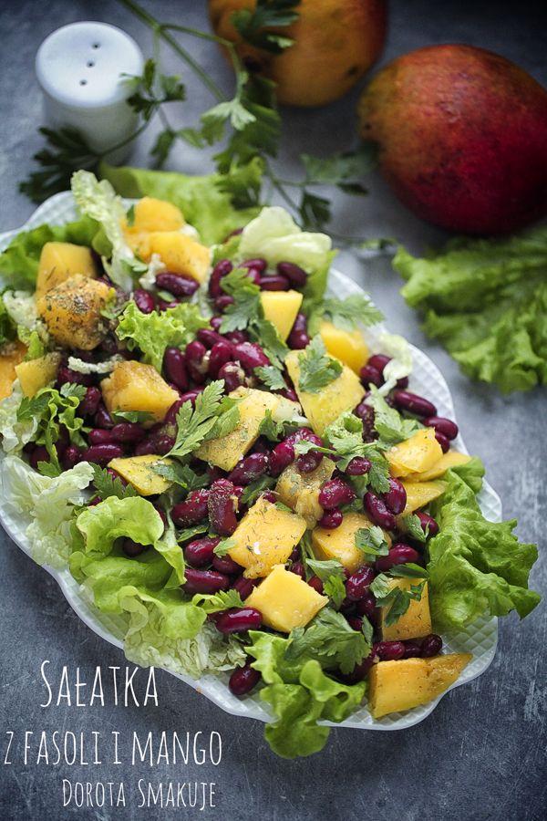 Sałatka z fasoli i mango