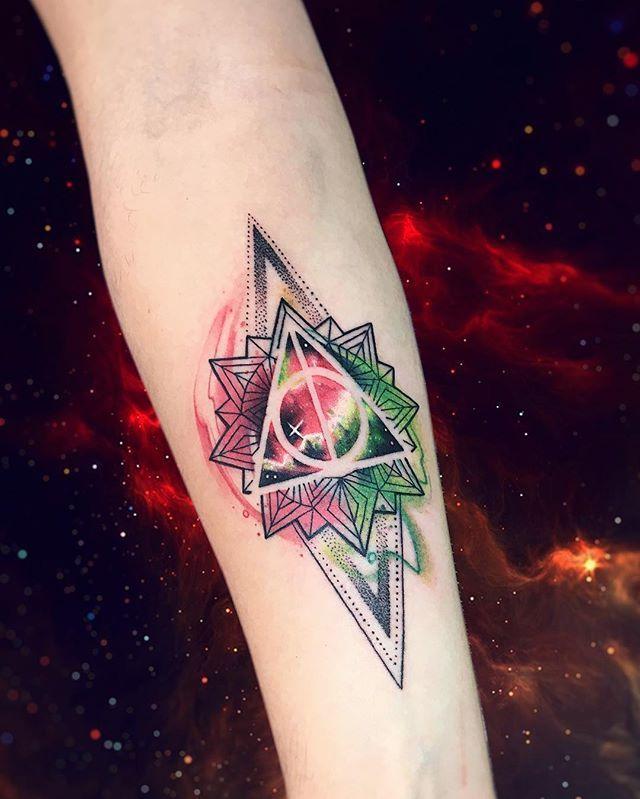 WEBSTA @ adrianbascur - RDLM AB #tattoo #tatuaje #colors #galaxy #reliquiasdelamuerte #harrypotter #triangle #geometria #galaxy #space #star #ab #espacio
