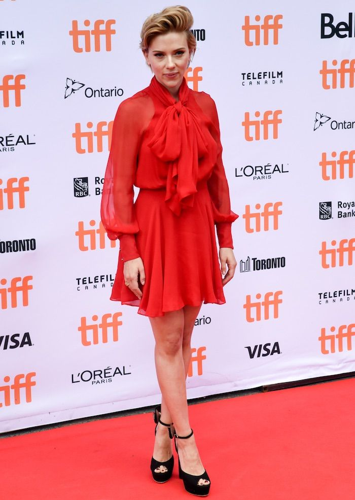 """Scarlett Johansson in a red Haney dress paired with Sophia Webster sandals at the Toronto International Film Festival Premiere of """"Sing"""" on September 11, 2016"""