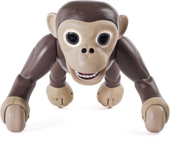 De strijd tegen een huisdier heb ik verloren, want sinds kort hebben we een aap in huis... Eentje mét apenstreken. Maak kennis met onze Zoomer Chimp.