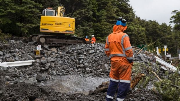 The highway through Arthur's Pass may not reopen on Thursday.