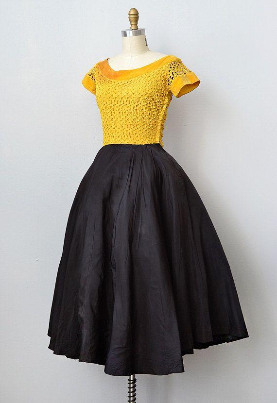 #dress #1950s #partydress #vintage #frock #retro #teadress #petticoat #romantic #feminine #fashion