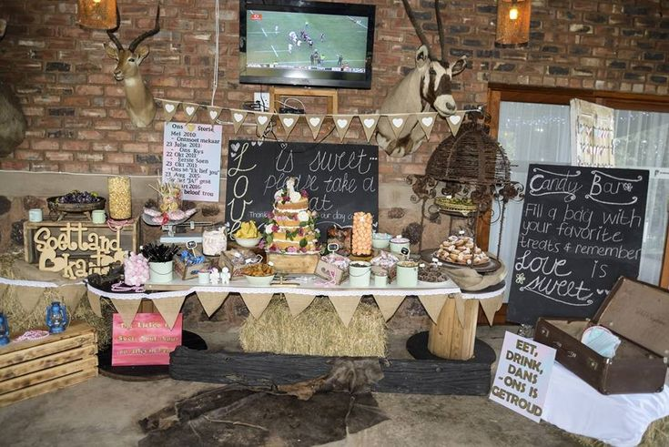 Reception- Sweets table - Cake - DIY - Farm wedding - Plaastroue - vintage -  Rugby #Burgertroue #12March2016