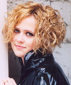 Like the hair style...I have natural curly hair...would love something short like this but makes me a bit nervous...