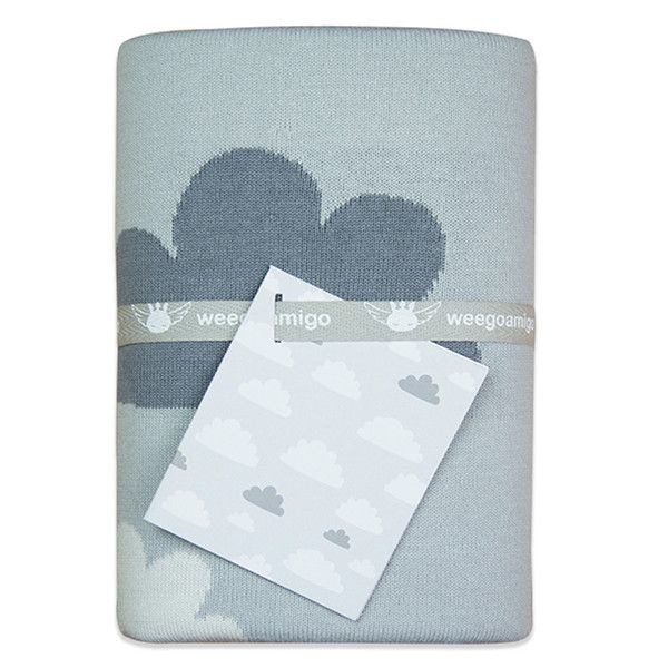 Designed in Australia, this soft and snuggly double-layered, 100% cotton knit blanket has a reversible design – it's like two blankets for the price of one!  Durable cotton makes this blanket very functional, hard wearing and machine washable. It's super versatile and makes a perfect travel companion for stylish bubs.   The Sky High Design in soft greys and white co-ordinates well with any other theme.  Size 95 x 80cm