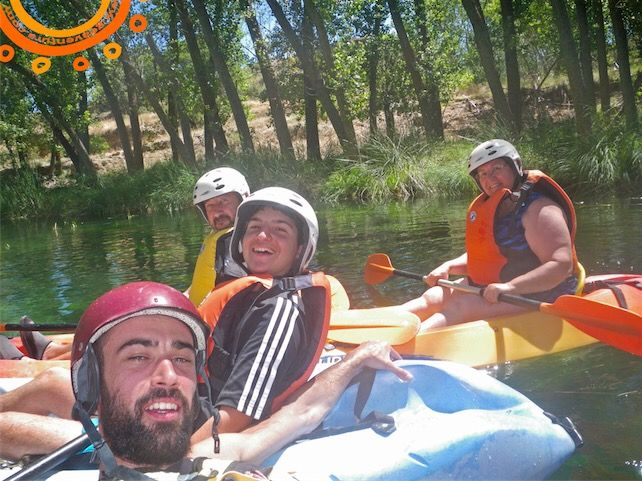 """Descenso del río Guadiela #piraguas en la ruta de """"El Merendero"""", el 7 de agosto de 2016    #Multiaventura #Aventura #Turismo #TurismoActivo #TurismoRural #Ecoturismo #Barranquismo #Piragüismo #Kayak #TiroconArco #Escalada #EscaladaenRoca #Espeleología #Cuevas #Rapel #Orientación #Campamentos #Paintball #TurismoFamiliar #Extraescolares #Escolares #Findecurso #Cuenca #zascandileandoporCuenca #CuencaEnamora #GEAventura #EspacioPachamama #BulderQNK"""