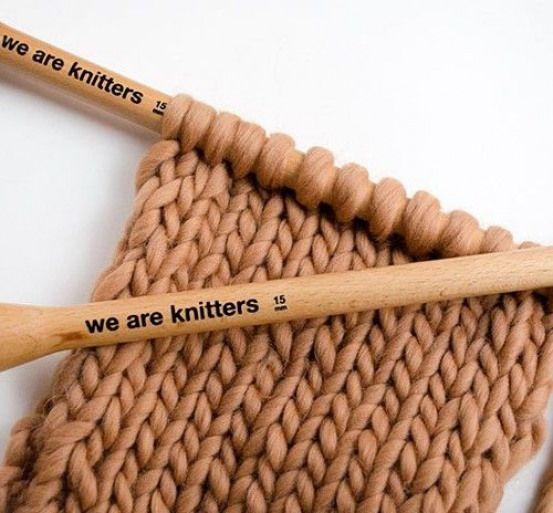 Verhindern Sie, dass sich die Ränder Ihres gestrickten Schals zusammenrollen. #howtogethimtopropose