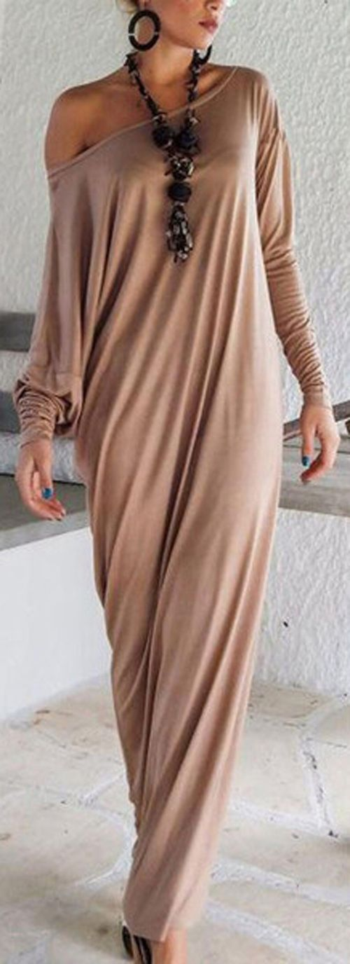 Let you femininity shine bright in radiant long dress.Enter the room with an air of grace and grandeur simply by wearing this gorgeous long dress! All people will keep all eyes on you. Give you a heated summer at www.seaselfie.com !