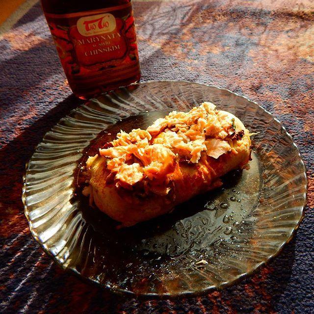 @taotao_harmoniasmakow #taotao #zawszesmacznie  drożdżowe bułeczki z łososiem w  marynacie  oraz z pieczarkami  i serem
