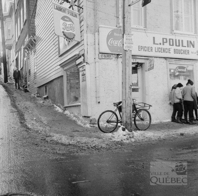 Le Marche Saint Olivier Dans Le Faubourg Saint Jean Baptiste Quebec Vieilles Photos