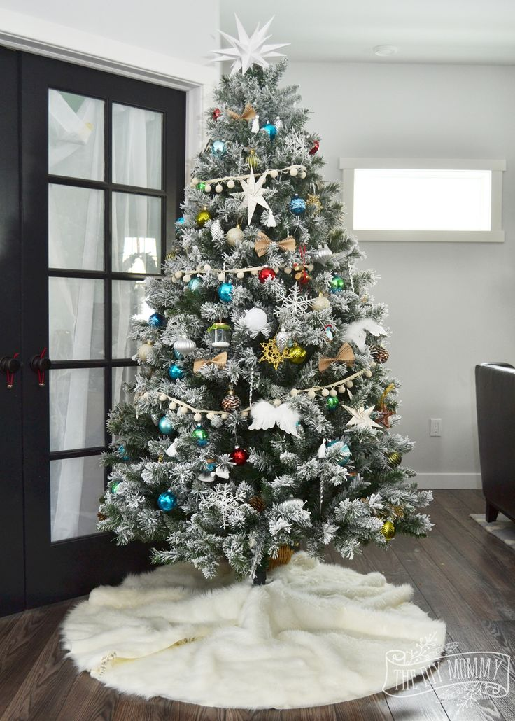 Best 25+ Faux fur tree skirt ideas on Pinterest   Fur tree, White ...