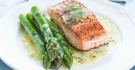 ¿Cómo preparar salmón en crema de limón?