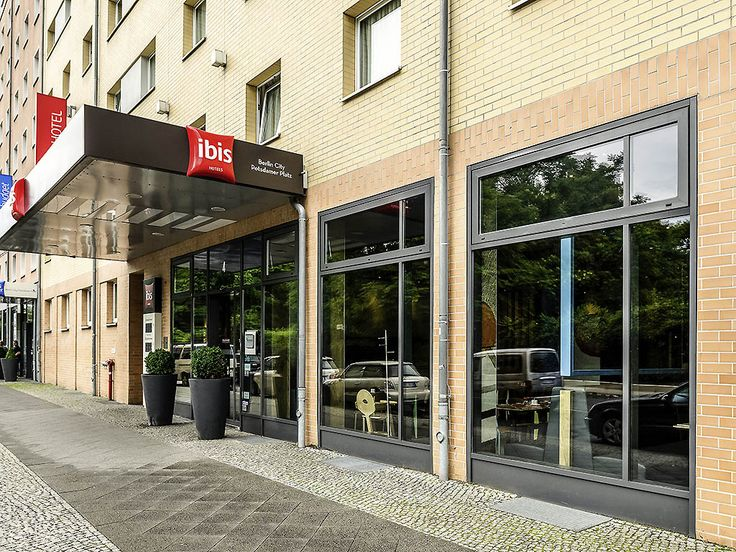 IBIS BERLIN POTSDAMER PLATZ: Stay in the heart of Berlin, just seven minutes' walk from Potsdamer Platz. Simply park your car in the large…