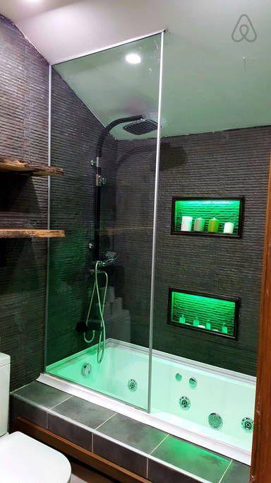 Airbnb'deki bu harika kayda göz atın: Cozy Flat with Jacuzzi Free Wifi - Fatih şehrinde Kiralık Apartman daireleri