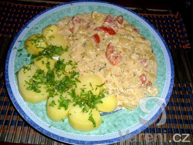Recept Cuketa na smetaně - Přidáno i rajče