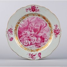 Chinese export porcelain.  Plate decorated in puce colour (diameter: 22,9cm). Qianlong period, circa 1745  Antoine Lebel