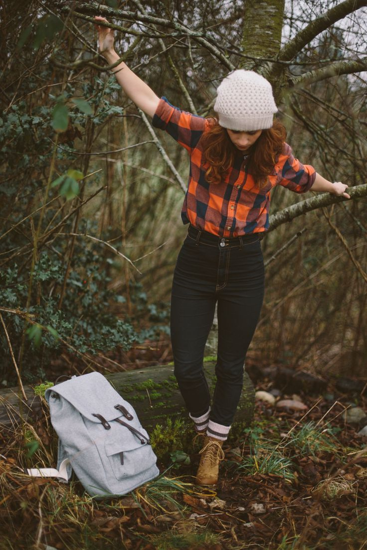High waisted jeans and plaid shirt (I would so work in this outfit.. Most…
