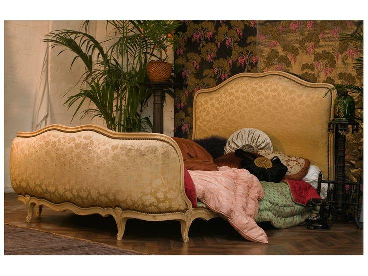 les 25 meilleures id es concernant lit baroque sur pinterest chambre baroque deco baroque et. Black Bedroom Furniture Sets. Home Design Ideas