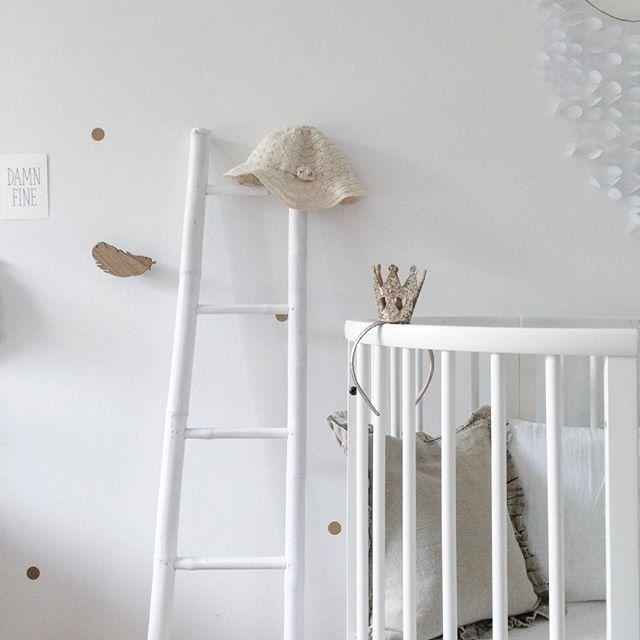 daybreak #cozy #barnrumsinspo #barnerom #kidsstyle #babyroom #papercraft #zara #nursery #stokke #hm #hagelens #walldecor #barnrummet #kidsdecor #decor #kinderzimmer #kidsinterior #kidsroom #latter #wooddecor #nurseryinspo #diy #nurserydecor #interior #zarahome #kinderkamer #hat #barnrum