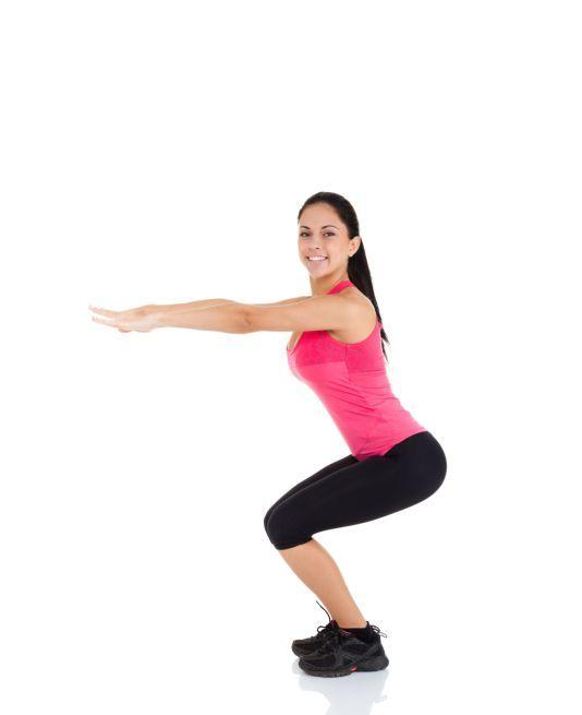 É possível malhar em casa e obter resultados expressivos e de forma rápida. Com menos de 1 hora por dia, você consegue secar, ganhar condicionamento físico e trabalhar a coordenação motora e equilíbrio. Leia também: Treino rápido para malhar na hora do almoço Crossfit emagrece até 800 calorias em treino pot