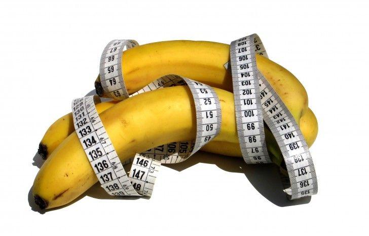 Hoewel de gezegde een appel per dag houdt de dokter weg klopt, zouden we een soortgelijke gezegde moeten verzinnen voor de banaan. Dit beroemde gele stuk fruit beschikt over talloze goede eigenschappen…