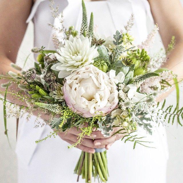 #bukiet_slubny #wesele #ślub #dekoracje_kwiatowe #kwiatyimiut #wedding_by_kwiatyimiut #wedding #bridal_bouquet #flower_arrangements