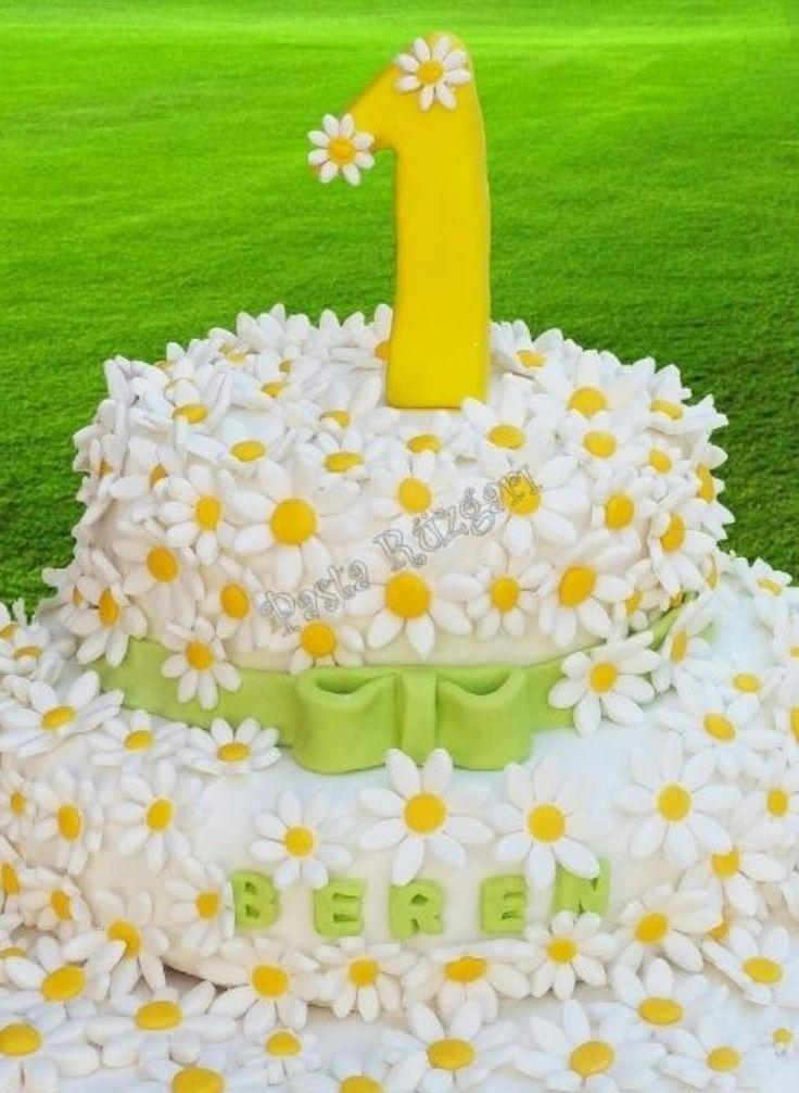 Dogum günü. 1 yaş. Papatya konsepti. DIY. Flower. Daisy. Birthday.