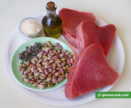 Tuna Fillet with Capers and Pistachios