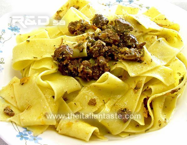 How to make hare sauce for pasta. Recipe, tips, menu planning, calories and paired wine. Tuscan recipe.
