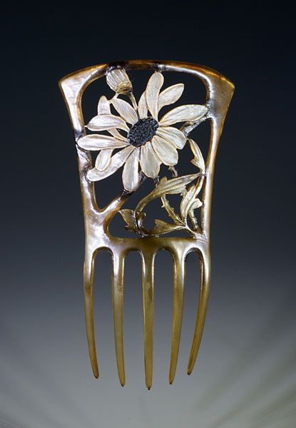 Georges Pierre - Art Nouveau Floral Hair Comb. Carved Horn and Painted. France. Circa 1900. 10.25cm x 18cm.