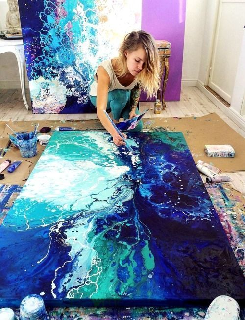 Learn acrylic pour painting techniques for your prettiest DIY wall art ever
