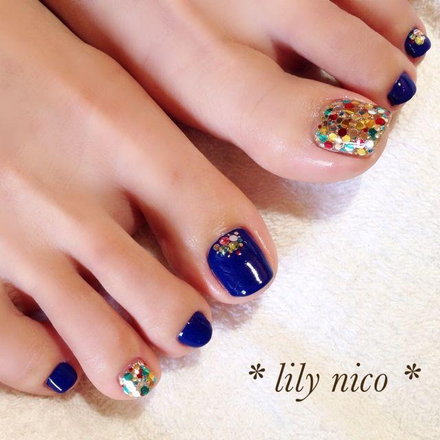 Blue colourful nails