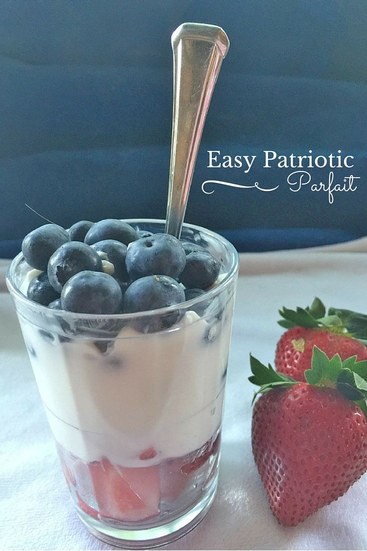 Are you looking for a healthy and delicious dessert or snack to celebrate the red, white and blue on Memorial Day or the 4th of July? Check out this super easy and good for you patriotic greek yogurt parfait