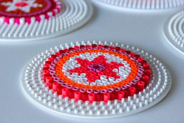 Please do visit my blog and leave a comment - www.prisje.nl - Hama, perler, perler beads, emoji, smiley, onderzetter, coaster, summer, coasters, onderzetters, fruit, fruity, strijkkralen, diy, crafts, craft, do it yourself, knutselen, mandala, pink, roze -