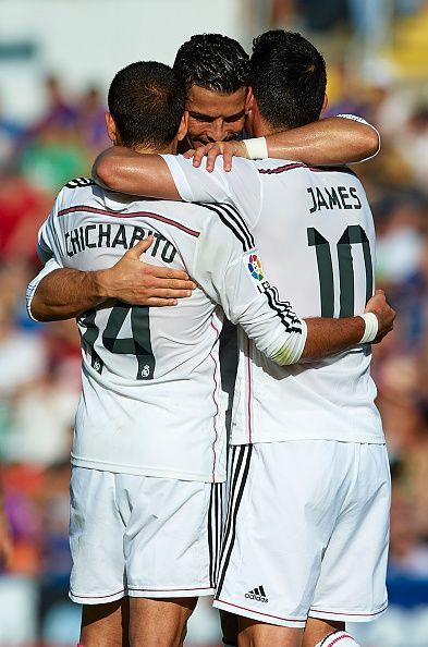 Cristiano Ronaldo con James y Chicharito 18.10.14