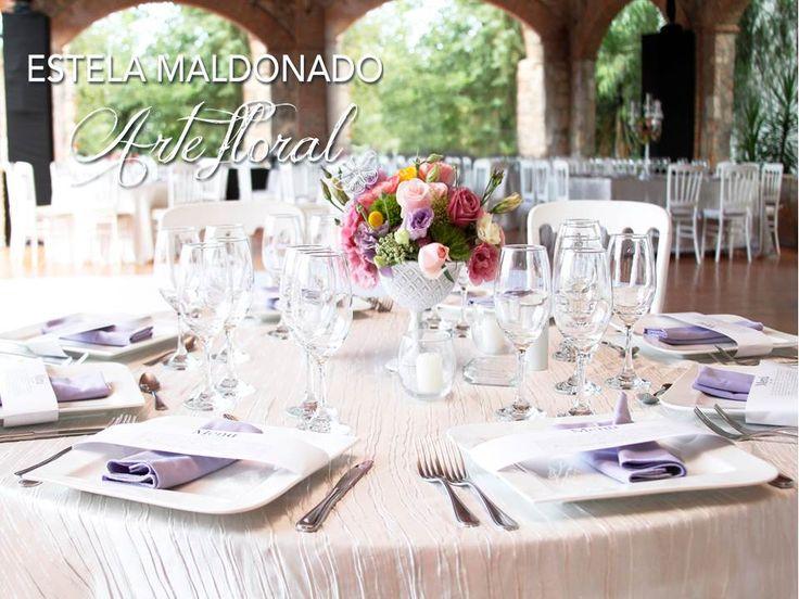 Montaje de mesa #vintage #bodas #bodasmexico #sanmigueldeallende #guanajuato #wedding #centerpiece #floral
