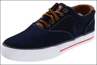Casual shoes for men actually vary a lot. Casual shoes are specially made shoes those are good for walking, running and for casual usage. You can get casual shoes for both, male and female. But among those two genres, the market of men's shoes is wide and huge. It is always a challenge to identify the best casual shoe for a man from a huge stock of competitive market.