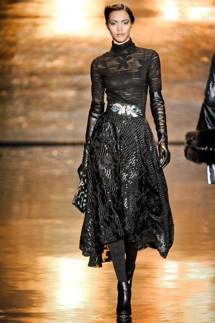 Lais Ribeiro wears  (Maxi Dress )
