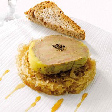 Foie-gras mi-cuit au torchon au parfum d'affligem et sa choucroute confite