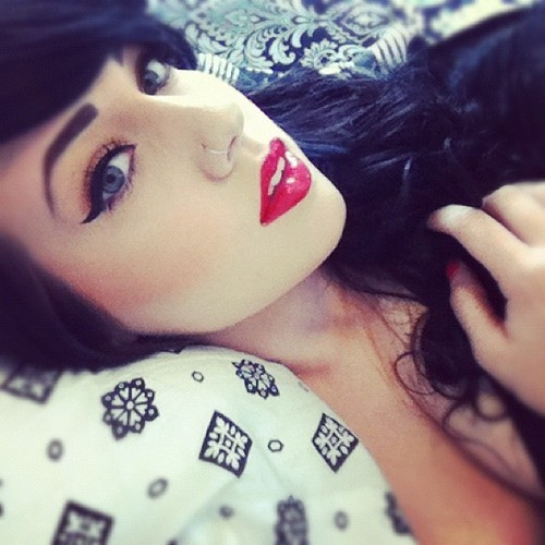 I think nose piercings are so lovely omfg they're gorgeous