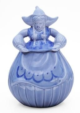 Dutch Girl Cookie Jar.  The biscuit jar eventually migrated across the Atlantic, and by the turn of the century they could be found on the counters of stores and bakeries across America.